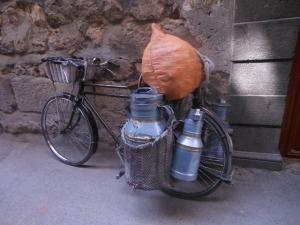 milkman, Damascus old city