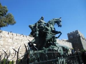 Salah el Din statue